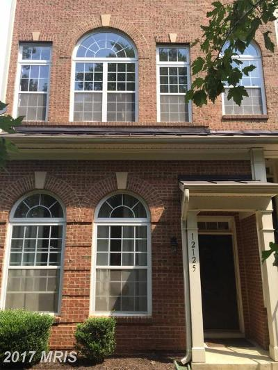 Upper Marlboro Townhouse For Sale: 12125 Open View Lane #201
