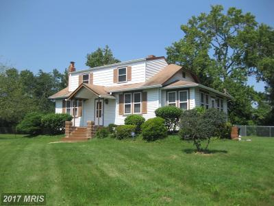 Temple Hills Single Family Home For Sale: 5052 Fielding Lane