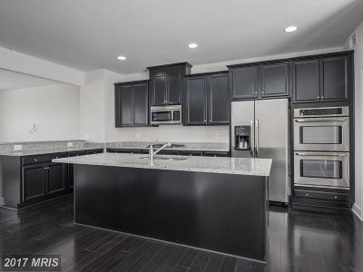 Upper Marlboro Townhouse For Sale: 9708 Central Park Drive