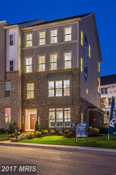 Glenn Dale Townhouse For Sale: 10104 Dorsey Lane #204M