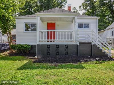 Landover Single Family Home For Sale: 5205 Englewood Drive