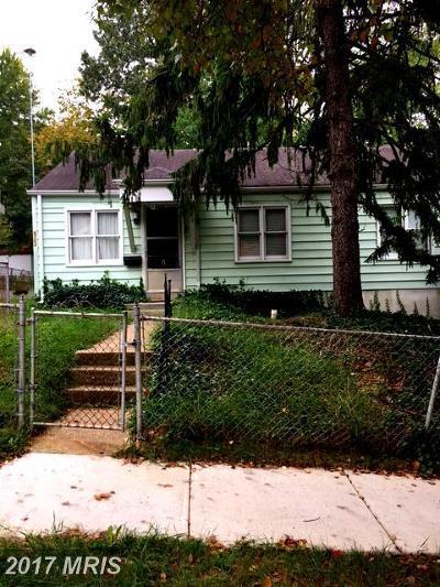 Riverdale Single Family Home For Sale: 6703 Ingraham Street