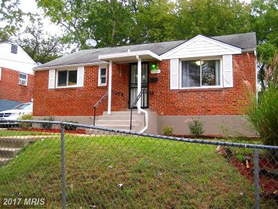 Hyattsville Single Family Home For Sale: 4903 69th Place