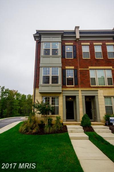 Oxon Hill Townhouse For Sale: 876 Regents Square #331