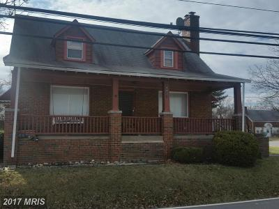 Temple Hills Single Family Home For Sale: 4811 Old Branch Avenue