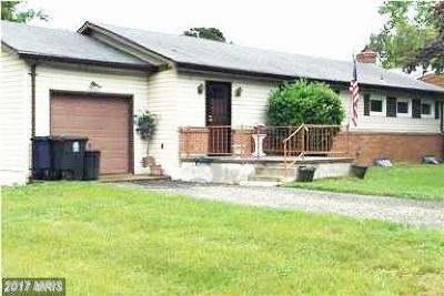 Temple Hills Single Family Home For Sale: 5715 Linda Lane