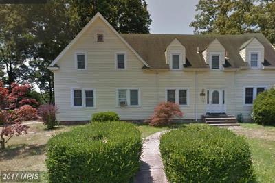 Landover Single Family Home For Sale: 6695 Old Landover Road
