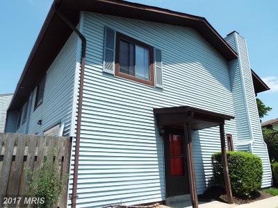 Woodbridge Condo For Sale: 2580 Merrywood Court #8