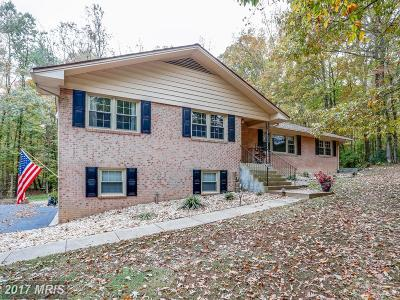 Woodbridge Single Family Home For Sale: 4901 Occoquan Club Drive