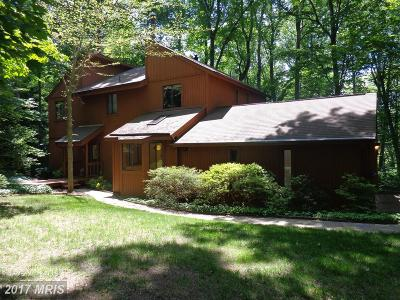 Manassas Single Family Home For Sale: 6171 Occoquan Forest Drive