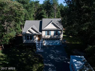 Single Family Home For Sale: 105 Pine Cove Lane