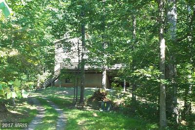 Rappahannock Single Family Home For Sale: 83 Walnut Grove Lane