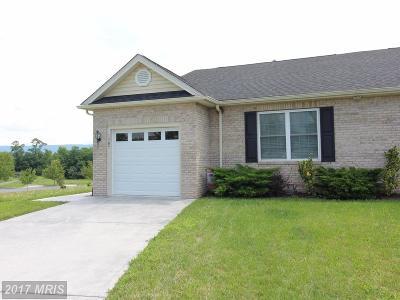 Duplex For Sale: 1309 Horseshoe Circle