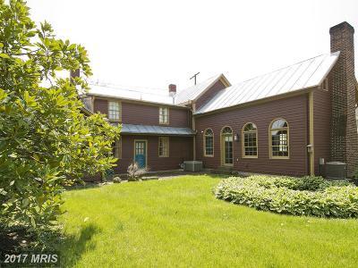 Strasburg Single Family Home For Sale: 208 Queen Street