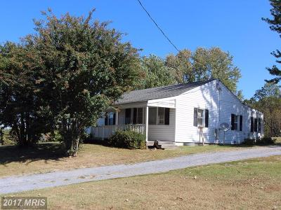 Edinburg VA Single Family Home For Sale: $159,000
