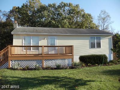 Toms Brook Single Family Home For Sale: 196 Jessica Place
