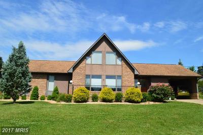 Strasburg Single Family Home For Sale: 463 Rose Lane
