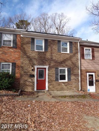 Fredericksburg Townhouse For Sale: 527 Olde Greenwich Circle
