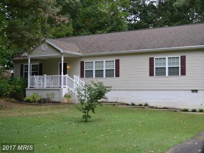 Stafford Single Family Home For Sale: 156 Woodland Drive