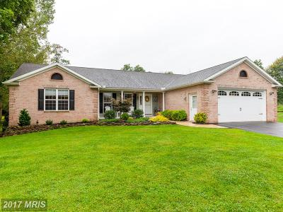 Hagerstown Single Family Home For Sale: 17315 Washington Street