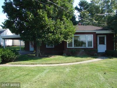 Hagerstown Single Family Home For Sale: 1628 Howell Road