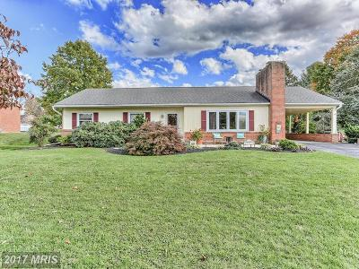 Hagerstown Single Family Home For Sale: 11911 Pheasant Trail