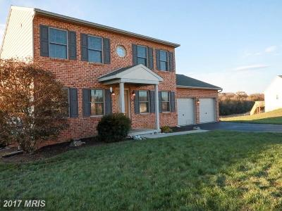 Hagerstown Single Family Home For Sale: 326 Dayspring Lane