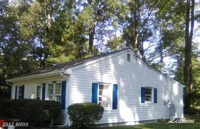 Colonial Beach Single Family Home For Sale: 318 Piney Forest Drive