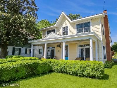 Colonial Beach Single Family Home For Sale: 25 Irving Avenue