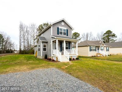Potomac Shores Single Family Home For Sale: North Cedar Lane