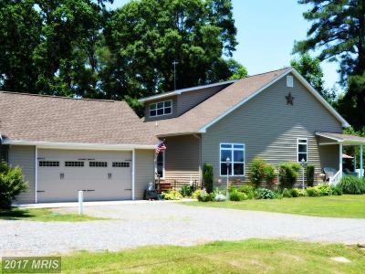 Montross Single Family Home For Sale: 397 Huntsman Way