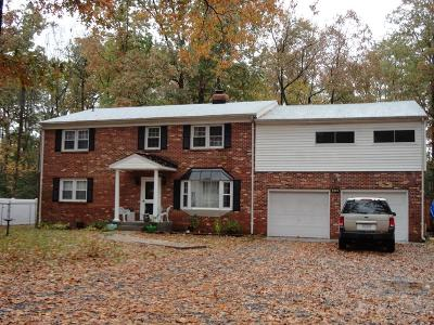 Westmoreland County Single Family Home For Sale: 405 Piney Forest Drive