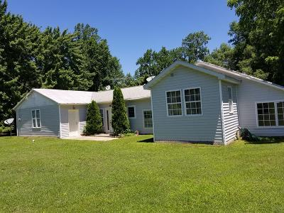 Westmoreland County Single Family Home For Sale: 405 Doleman Lane
