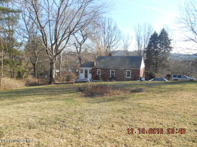 Single Family Home Sold: 343 Crile Ln
