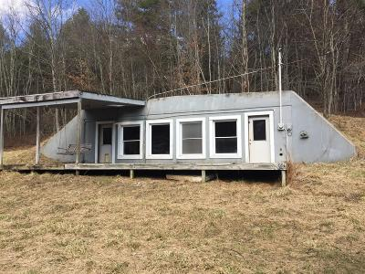 Floyd County Single Family Home For Sale: 1493 Indian Creek Road