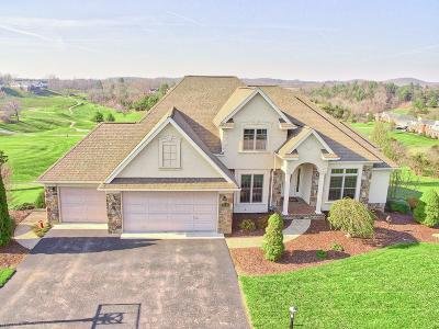 Montgomery County Single Family Home For Sale: 1696 Turnberry Lane
