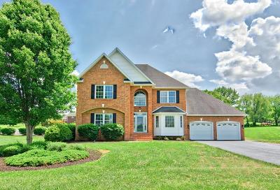 Montgomery County Single Family Home For Sale: 2211 Lake Vista Drive