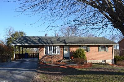 Montgomery County Single Family Home For Sale: 630 Betty Drive