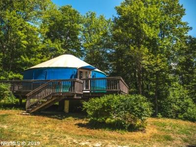 Floyd County Single Family Home For Sale: 9387 Pine Forest Road