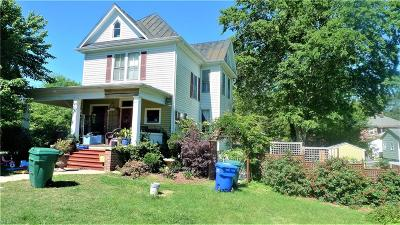 Suffolk Single Family Home For Sale: 213 Bosley Ave
