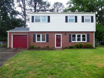 Hampton Single Family Home For Sale: 613 Hartless Ct
