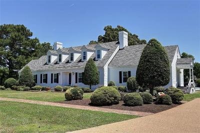 Chesapeake Single Family Home For Sale: 3900 Walkers Bend Dr