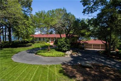 Virginia Beach Single Family Home For Sale: 3344 Eagle Nest Pt