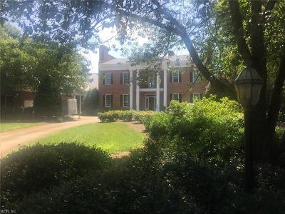 Newport News Single Family Home Under Contract: 207 Riverside Dr