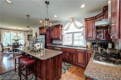 Hampton Single Family Home For Sale: 9 Naturewood Cir