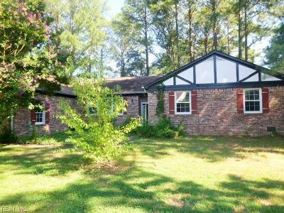 Poquoson Single Family Home For Sale: 14 Roberts Landing Dr