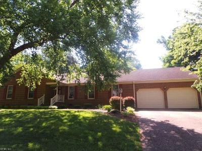 Newport News Single Family Home For Sale: 12 Blacksmythe Ln