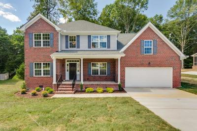 York County Single Family Home For Sale: 706 Marks Pond Way
