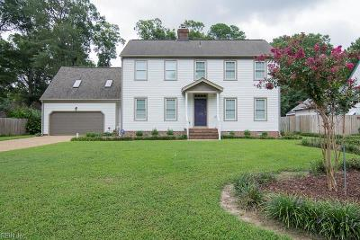 Newport News Single Family Home For Sale: 2102 Village Green Pw