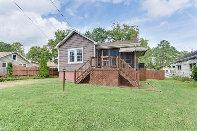 Poquoson Single Family Home For Sale: 1107 Poquoson Ave
